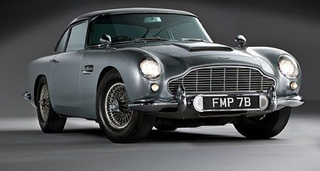 James Bonds legendärer silberner 1964er Aston Martin.