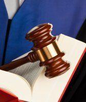 Eine Million mit fiktivem Behinderten-Reit-Verein ergaunert: 5,5 Jahre Haft