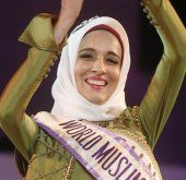 "Tunesierin ist neue ""World Muslimah"""
