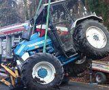 Traktor-Fahrer nach Absturz unverletzt