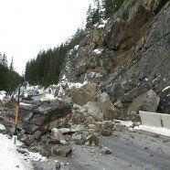 Lechtal Straße nach massivem Felssturz komplett gesperrt