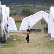 Meinungsumfrage: Mehrheit befürwortet Kasernen, Zelte polarisieren
