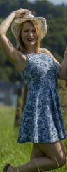 Hut ab! - Einfach lässig: Eva aus Hörbranz genießt die spätsommerlichen Temperaturen in vollen Zügen.  Foto: VN/Paulitsch