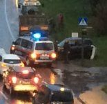 Vorfahrt genommen - Traktor räumt Pkw ab