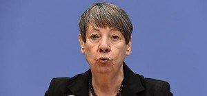 Deutschland überlegt Strafabgabe für Kauf von Spritfressern