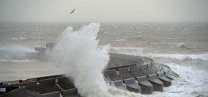 "Sturm ""Imogen"" fegte über Großbritannien – Meterhohe Wellen"