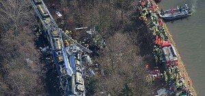 Zugsunglück in Bayern: KeinVermisster mehr, zehn Tote