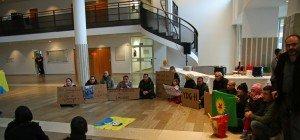 Unangemeldete Protestkundgebung von Kurden im Landhaus