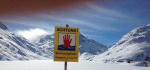 Zu dünnes Eis bei Loipe 2000 in der Silvretta: Skidoo brach ein und sank ab