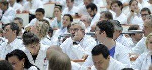 Konflikt mit Tadition: Spitalsärzte streiten erneut mit KAV um Gehälter