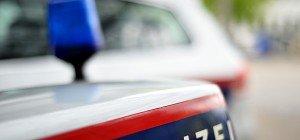 Autoscheibe eingeschlagen, Verkehrszeichen ausgerissen: Vandalen wüteten in Bregenz