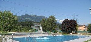 Trotz schlechtem Aprilwetter: Walgaubad in Nenzing beheizt Pools