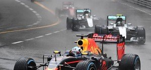 "Die ""44"" ist zurück, Ricciardo nach ""Box-Selbstmord"" sauer"