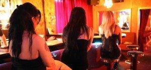 Prostitution – Entgegengesetzte Positionen von Sexarbeit bis Sexkaufverbot