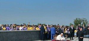Papst Franziskus betete am Genozid-Mahnmal in Armenien