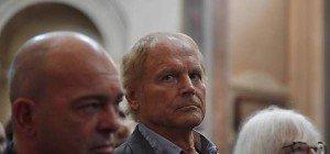 Abschied von Bud Spencer: Terence Hill unter Trauergästen