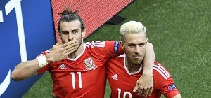 Wales dank Nordirlands Eigentor im Viertelfinale