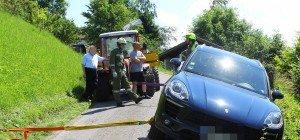 Thüringerberg: Porsche-Fahrer (80) kommt von Straße ab