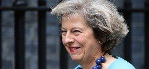 Innenministerin May bewirbt sich um Cameron-Nachfolge