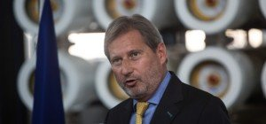 EU-Kommissar Hahn verteidigt CETA-Alleingang der EU