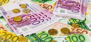 Chinese in Italien mit 670.000 Euro bar im Auto erwischt