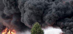 Großbrand durch Blitzeinschlag in deutschem Austrotherm-Werk
