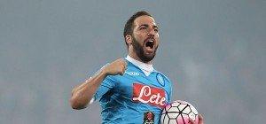Torjäger Higuain vor Großtransfer von Napoli zu Juventus