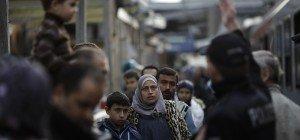 Ansbach – De Maizière warnt vor Generalverdacht gegen Flüchtlinge