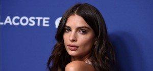 Emily Ratajkowski: Wer begrapscht denn hier das Top-Model?