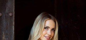 TV-Kommissarin Lara-Isabelle Rentinck legt im Playboy die Uniform ab