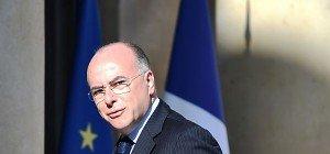 Frankreichs Innenminister warnt vor Burkini-Verbot