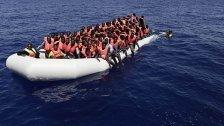 1.100 Flüchtlinge aus Booten gerettet