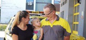 Zwei Kinder in zwei Tagen aus Autos befreit