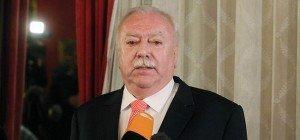Wiener Spitalsärzte: Häupl drängt Präsident Szekeres zur Vertragstreue