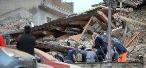 Mindestens 21 Tote und dutzende Vermisste bei Erdbeben in Italien