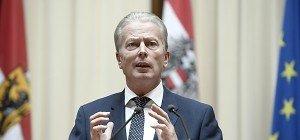 Mitterlehner für österreichisch-deutsche Strompreiszone