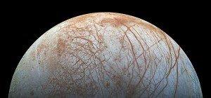 Anzeichen für Wasser-Geysire auf Jupitermond entdeckt