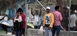 Athen will Flüchtlinge auf griechisches Festland bringen