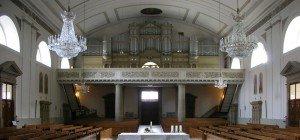 Orgelklänge und Gesang