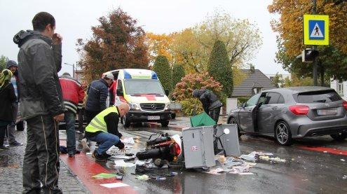 Verletzte Passantin bei Unfall mit Motorrad in Schwarzach