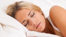 Darum schlafen Frauen besser nackt