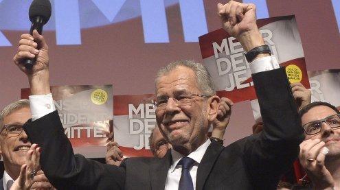 Ausgelassene Party: So feierte Van der Bellen seinen Wahlsieg