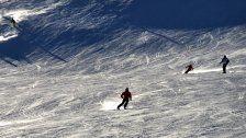 Polizei sucht Zeugen nach Skiunfällen in Lech-Zürs