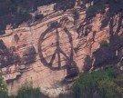 Peace-Zeichen auf Känzele-Kletterfels geschmiert – Naturschützer sind entsetzt!