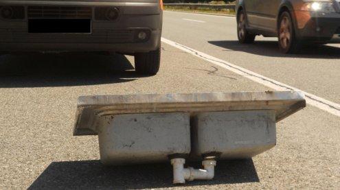 A14: Straßenmeisterei birgt 219 gefährliche Gegenstände in 2016