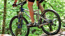 """Mountainbiker stürzt auf """"Tschack Norris"""" schwer"""