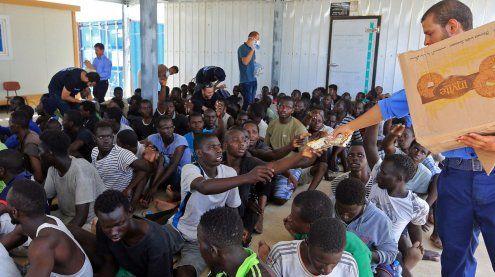 """""""Mit oder ohne EU"""": Frankreich errichtet heuer Hotspots in Libyen"""