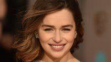 Emilia Clarke endlich Blond wie Khaleesi