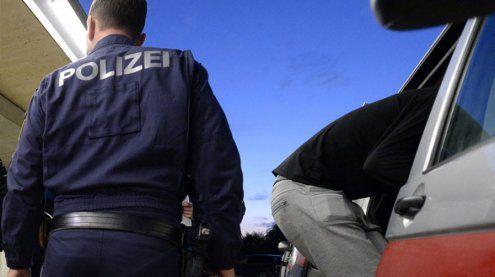 Rankweil: Wilde Verfolgungsjagd – 29-Jähriger rammt Polizeiauto